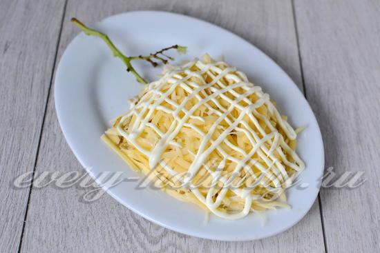 выкладываем тертый сыр