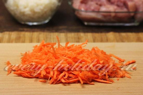 морковку натереть