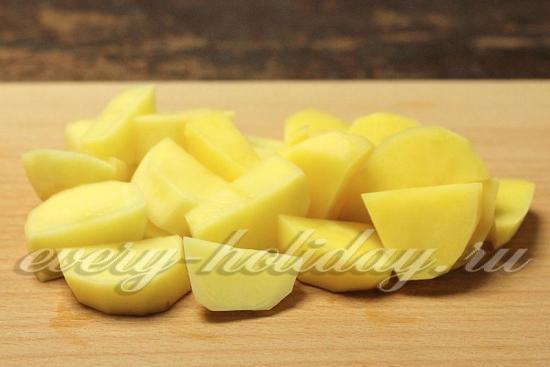 Картофель режем не очень мелко