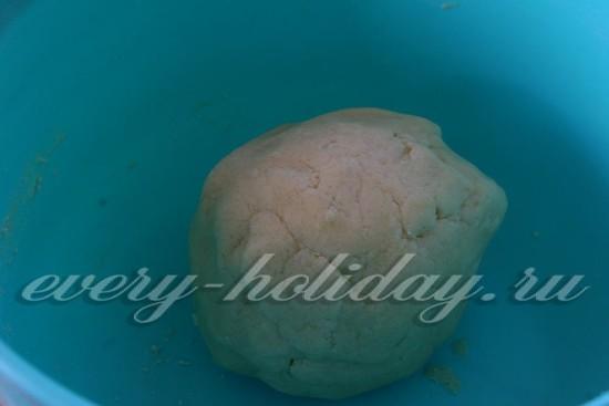 формируем тесто в шар