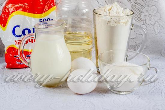 Ингредиенты для приготовления блинов на молоке с дырочками