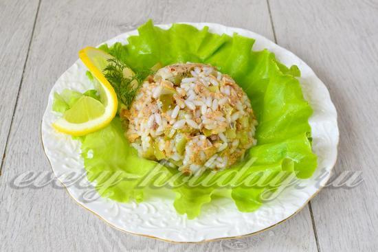 рецепт салата с тунцом и рисом