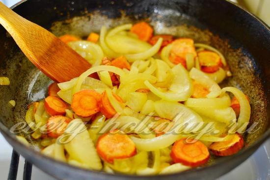 морковь и лук притушить