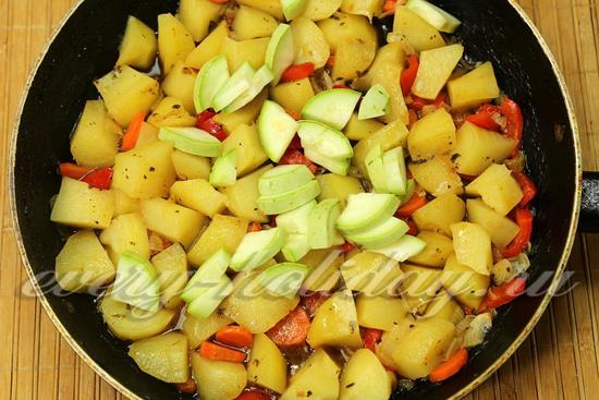 Овощное рагу с картошкой - рецепт с фото