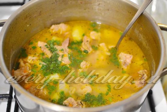 Картошка тушеная с мясом в кастрюле, рецепт с фото