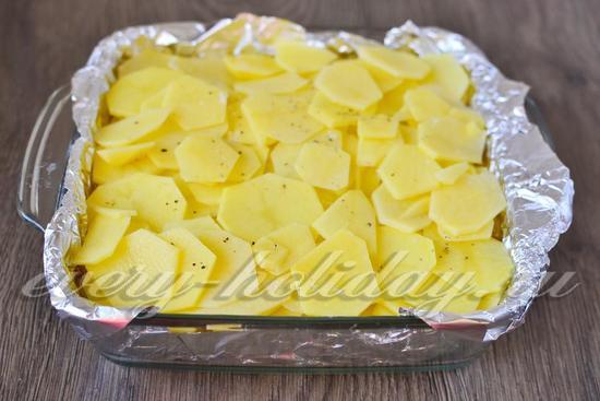Покрываем его снова картофелем
