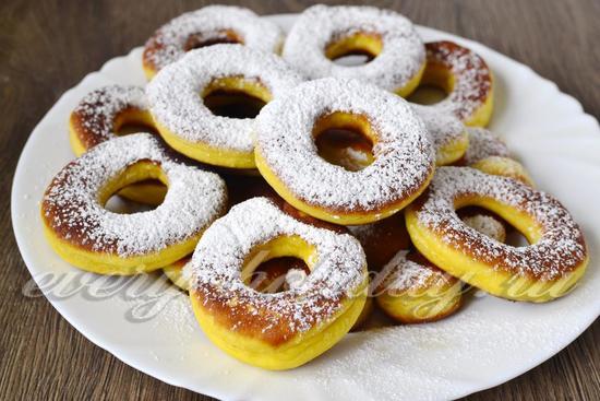 пончики украшаем пудрой