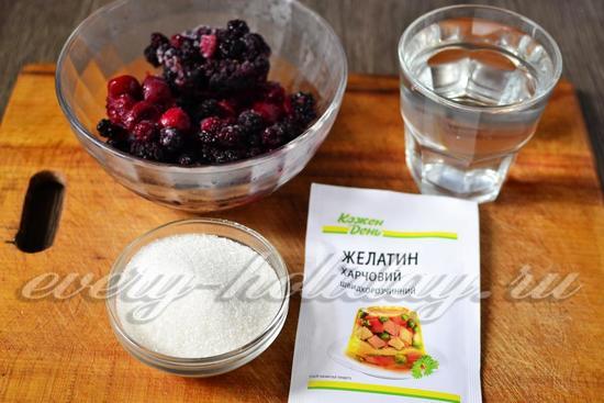 Ингредиенты для приготовления желе из замороженных ягод