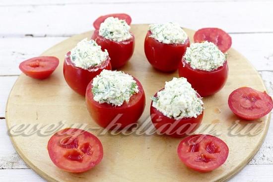 наполняем помидоры