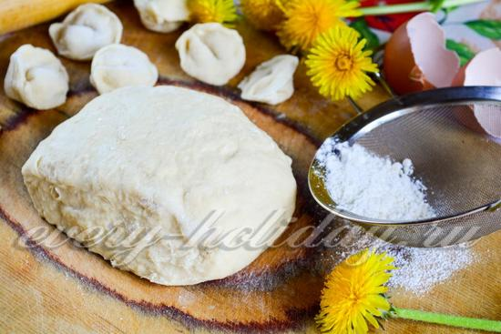 Тесто на пельмени классический пошаговый с фото