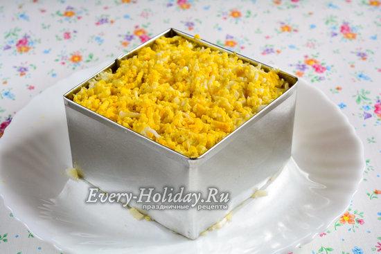 Натереть яйца