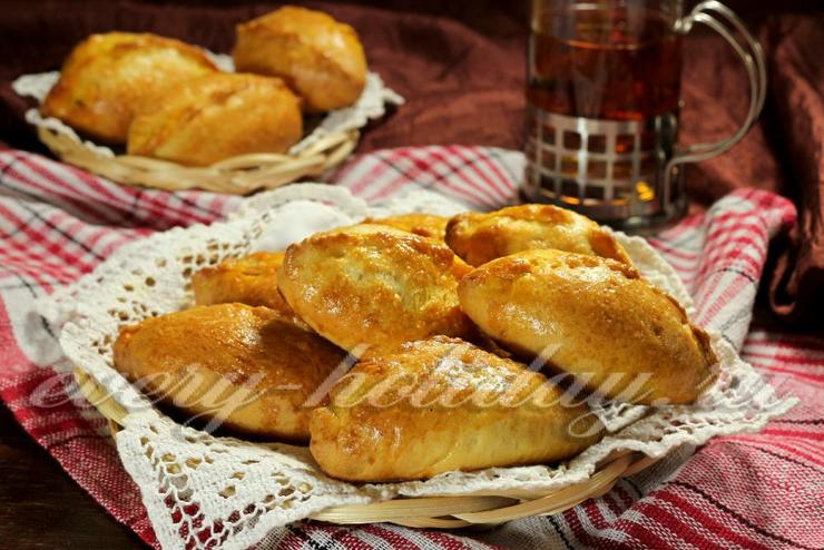 Пирожки с капустой в духовке из хрущевского теста