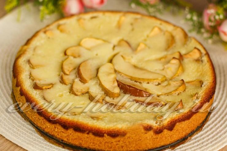 Очень вкусный яблочный пирог со сметанной заливкой