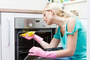 Как очистить духовку от жира и нагара в домашних условиях быстро