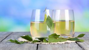 Берёзовый сок: польза и вред, сколько можно пить в день