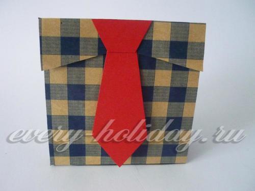 Крепим галстук к пакетику