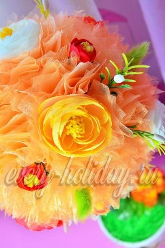 Топиарий из органзы с цветками