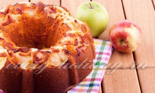 Вкусная шарлотка с яблоками