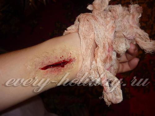 Как сделать искусственный порез или рану на руке в домашних условиях