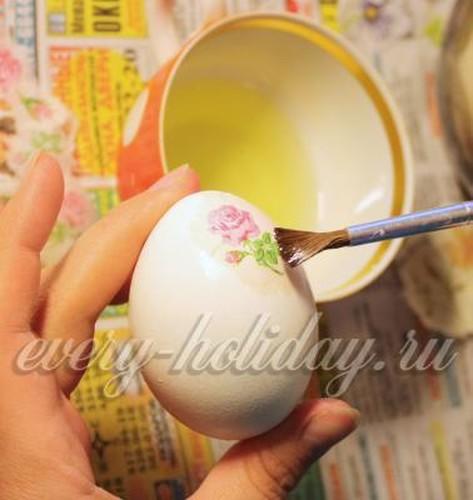Как украсить пасхальное яйцо