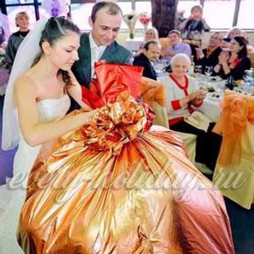 Что подарить на свадьбу оригинальное и недорогое
