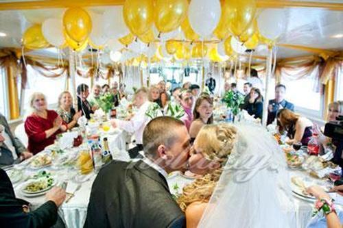 Поздравление на свадьбу прикольные с вручением денег