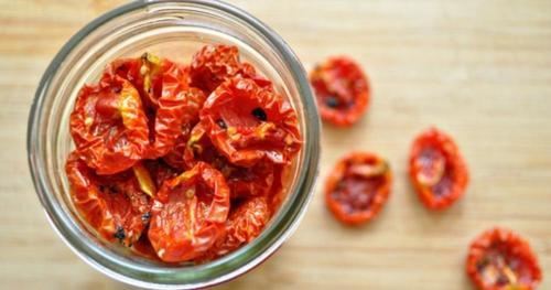 С чем едят вяленые помидоры и рецепты куда добавить их