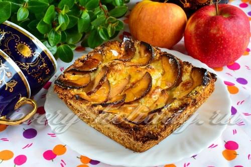 шарлотка с яблоком и творогом