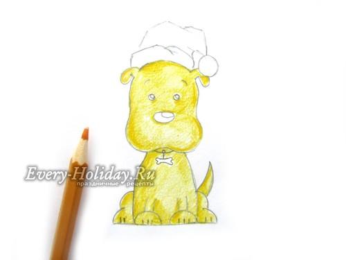 Закрашиваем весь участок головы и туловища домашнего животного желтым карандашом