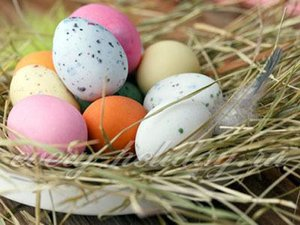 Покраска яиц на пасху способ 11