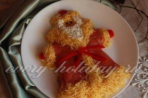 "Салат ""Дед Мороз"" с крабовыми палочками"