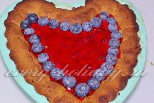 Песочный пирог с ягодами и желе