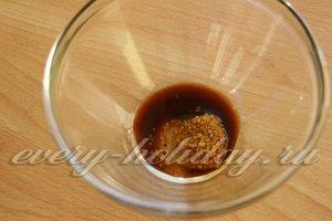 соединяем соевый соус, горчицу и мед