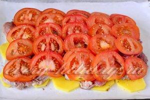 выложить слой помидор