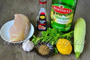 Ингредиенты для приготовления кебабов с кабачками