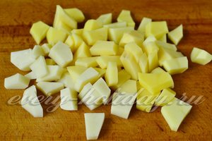 Картофель режем