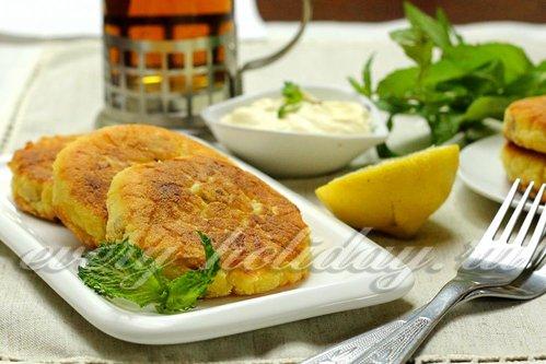 Лимонные сырники с изюмом