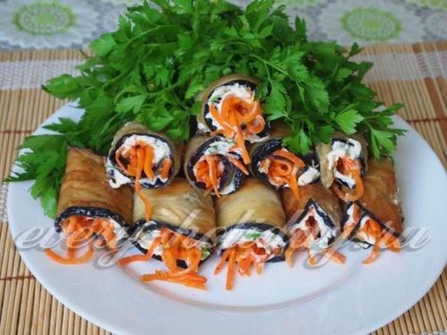 Рулеты из баклажанов с корейской морковкой