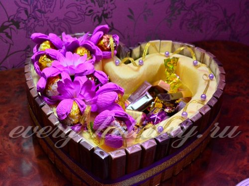 Торт из конфет в форме сердца своими руками