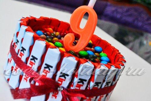 Сувенирный торт из киндер-шоколадок