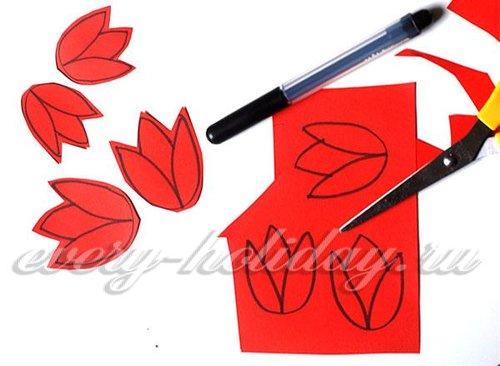 На красной и желтой бумаге рисуют головки тюльпанов, на оранжевой и фиолетовой – крокусов