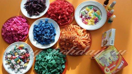 Разноцветные макароны