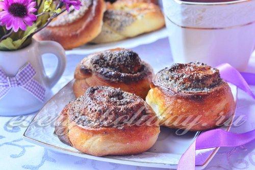 Дрожжевые булочки с маком и сахаром