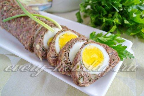 рецепт свиного рулета с яйцами