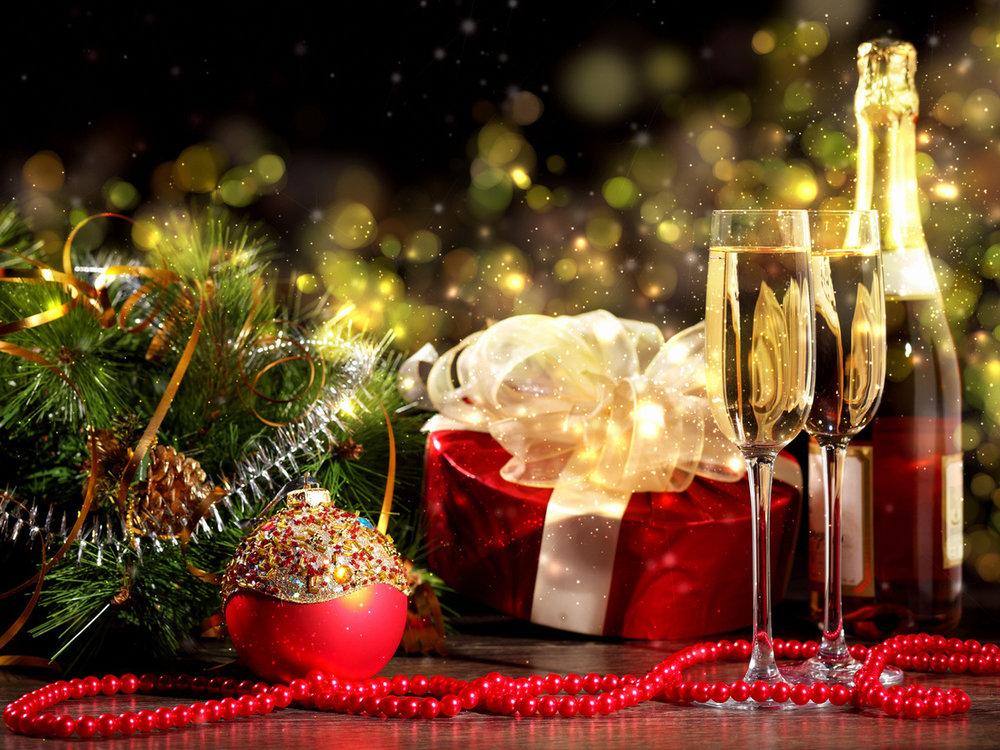 Тосты на Новый год 2019: смешные короткие прикольные в год Свиньи