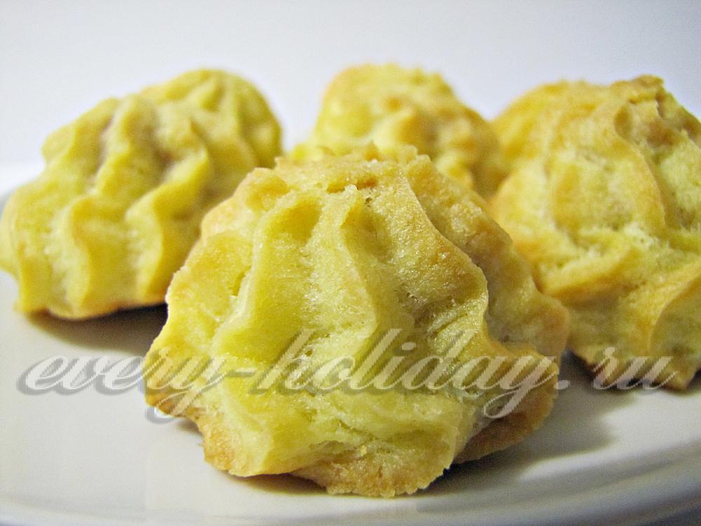 Как сделать торт из коржей со сгущенкой фото 696
