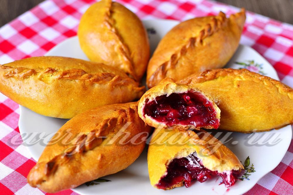 пирожки с вареньем в духовке рецепт с фото