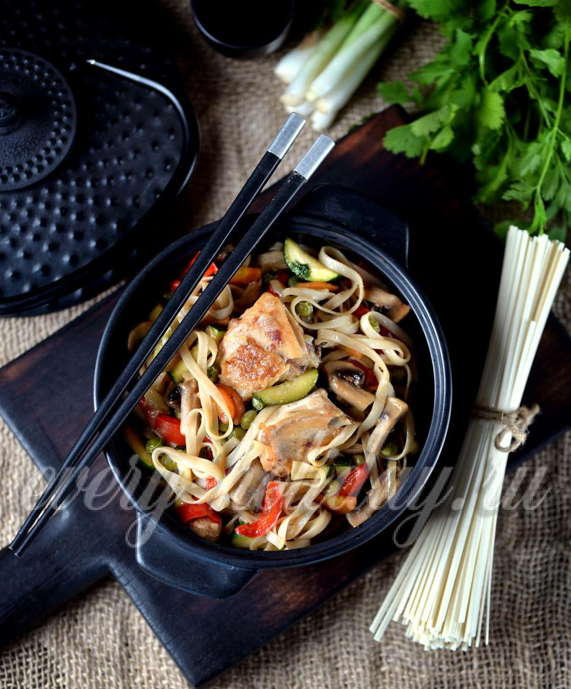 Лапша удон с ицей и овощами в соусе терияки - рецепт