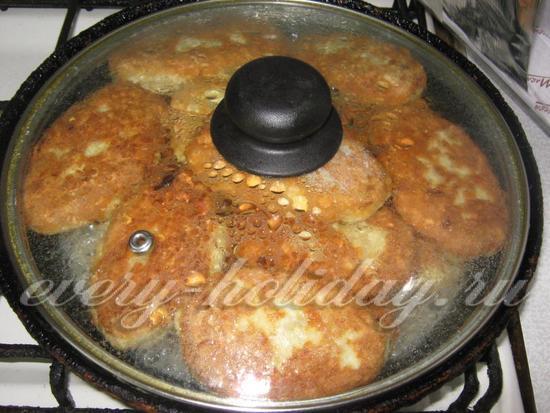 Жарим котлеты из куриного филе на сковороде