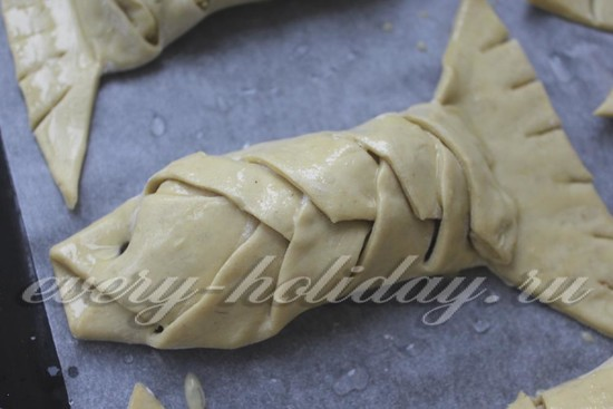 Слоеные пирожки с креветками, пошаговый рецепт с фото